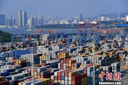 中国扩大进口会加大国内经济下行压力?统计局回应