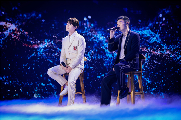 《跨界歌王》总决赛高潮迭起 王凯暂列排名第一