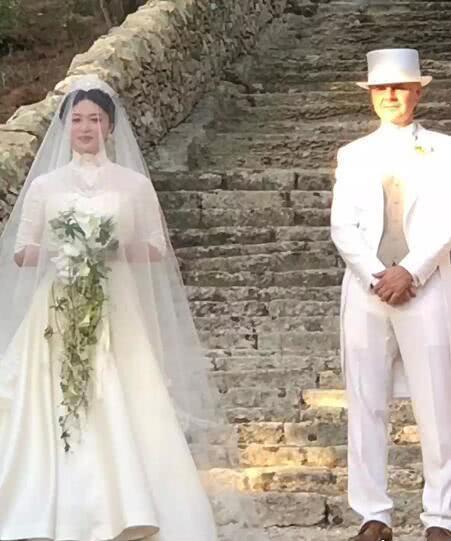 金星与老公在意大利举行复婚婚礼