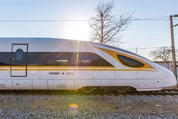 复兴号动车组350公里时速运营1年:准点率99.2%