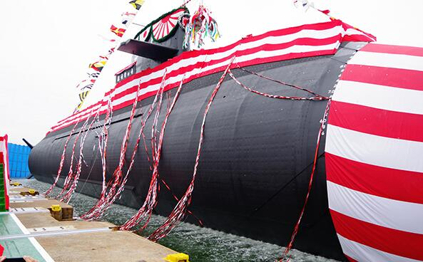 日本第11艘苍龙级潜艇下水 用锂电池蓄电量翻倍