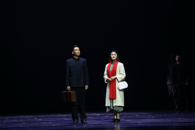 纪念话剧《岁月有痕》北大上演 收获观众掌声与泪水