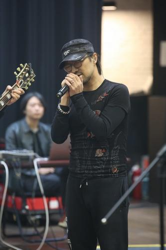 汪峰巡演将开唱:媳妇来了我才唱《无处安放》