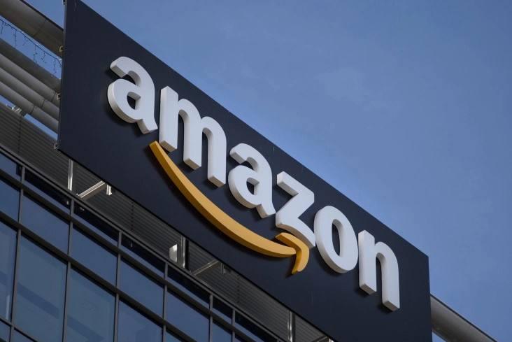 印度消费者网上爆买中国智能手机 推动亚马逊等营收大增