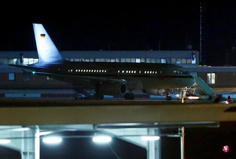 默克尔因专机故障G20迟到 德国防长:打算买新飞机