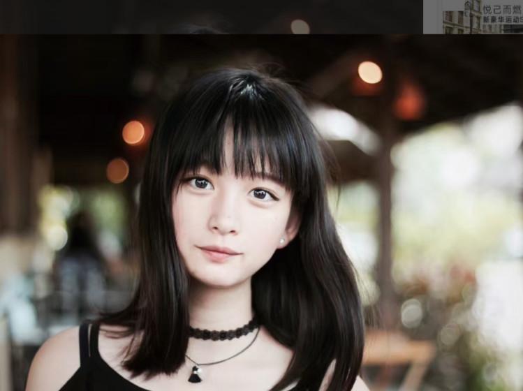 """中国18岁美少女留学生引发网友轰动:""""简直是天使般的存在"""""""