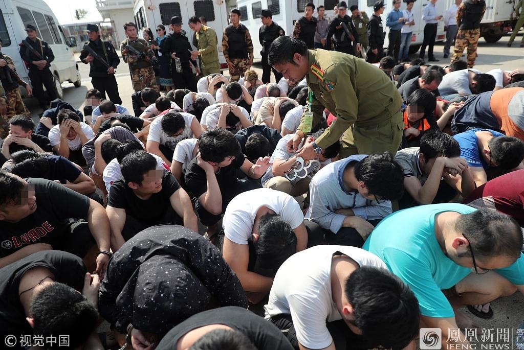 河南:跨国抓回191名嫌犯装两架飞机