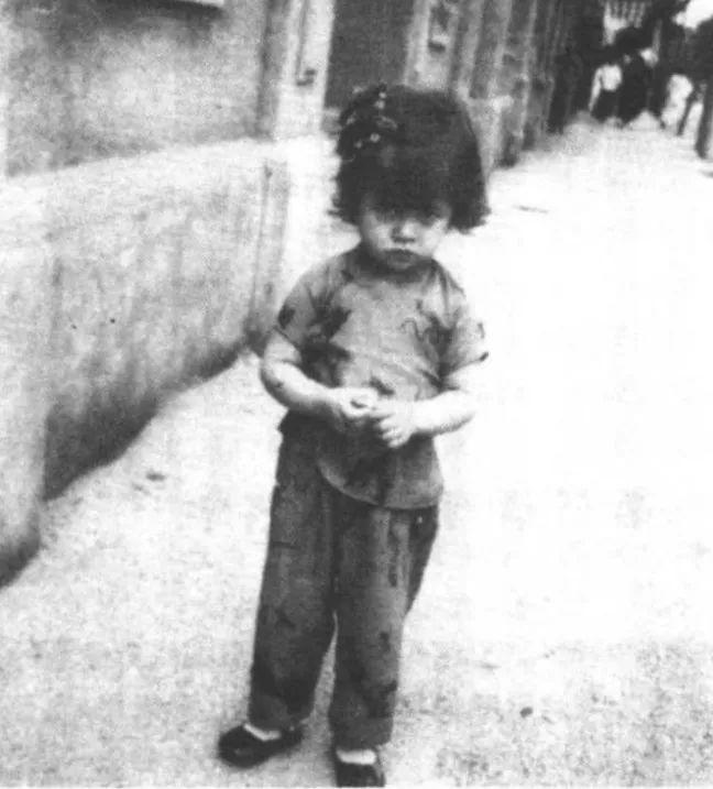 """首个华裔""""邦女郎"""":26岁爆红欧洲、40岁破产自杀、83岁活成了传奇"""