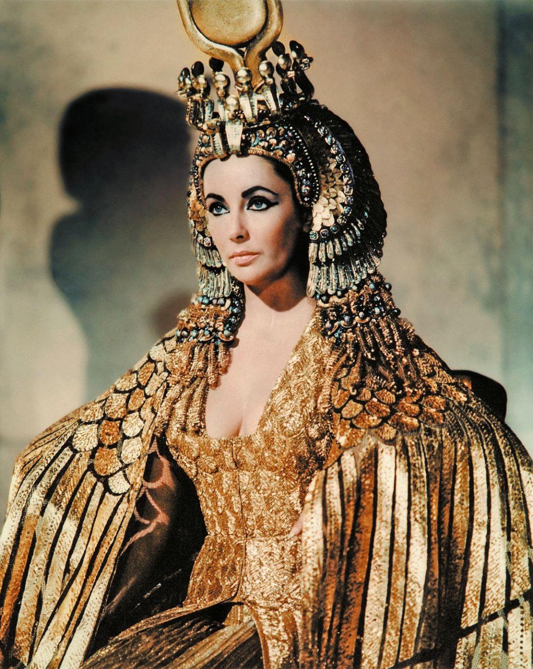 这个号称好莱坞最美的女人,家里到底有多少金银珠宝?!
