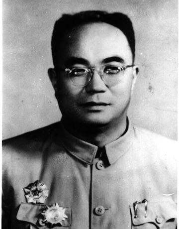抗联三路军政委冯仲云