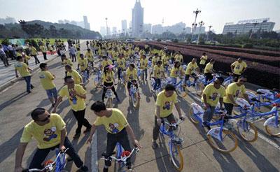 无车日绿色骑行 长沙启动26条自行车专用道建设