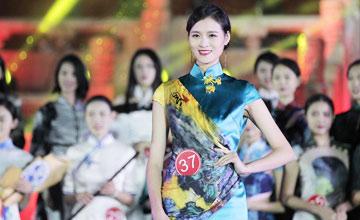 """""""小汤唯""""当上世界小姐中国区冠军,就把男友甩了…"""