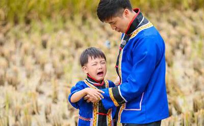 《爸爸》探秘湘西 小亮仔洁癖爆发考拉收获大批迷弟
