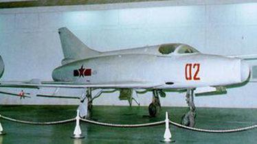 中国曾欲研制岛载机 短距起飞能力接近F-14