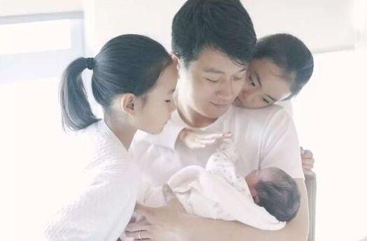 佟大为三度当爹被质疑超生 回应:合理合法