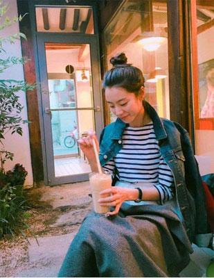 裴勇俊娇妻朴秀珍怀孕两个多月 晒近照气色不错 [有看点]