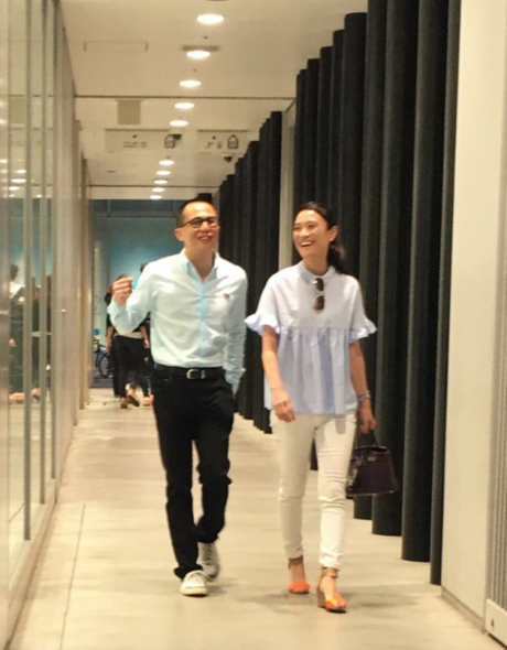 李泽楷游日本身边的女伴又换了,但他说只是好朋友…【星看点】