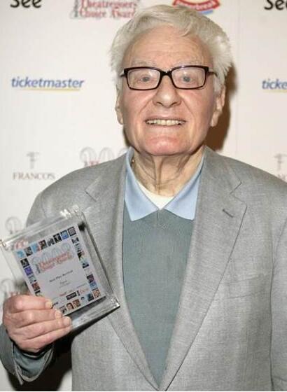 90岁英国剧作家彼得谢弗离世 曾夺8项奥斯卡奖【星看点】