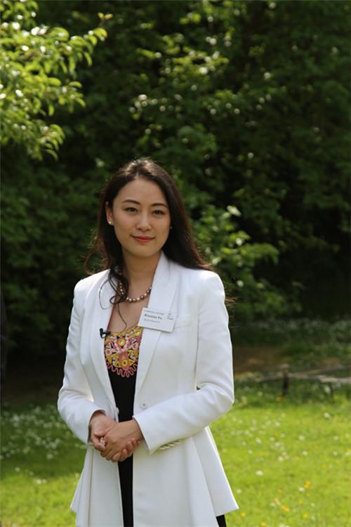 剑桥大学举行傅晓田花园命名仪式_凤凰卫视