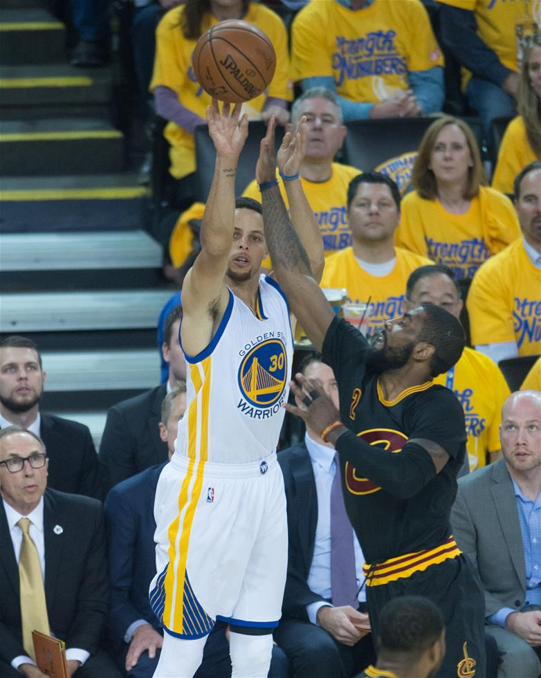乐福/NBA总决赛:勇士主场负于骑士
