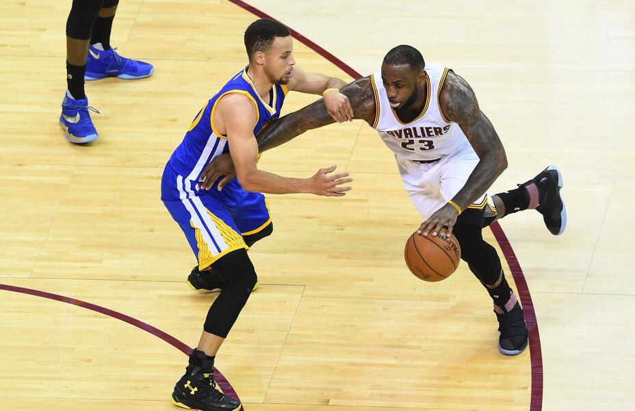 NBA总决赛:勇士再挫骑士 取得冠军赛点