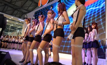 国内最大CJ游戏展:Showgirl美腿如林