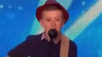 聊没技能满分!12岁男孩原创轰动全场的告白情歌