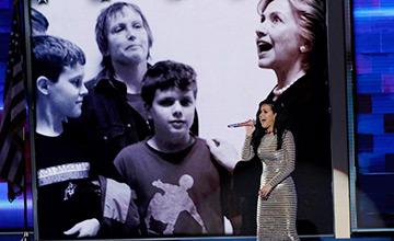 她把民主党大会开成了明星见面会