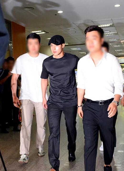 【星娱TV】大反转!金贤重家暴案胜诉 前女友被判赔偿1亿