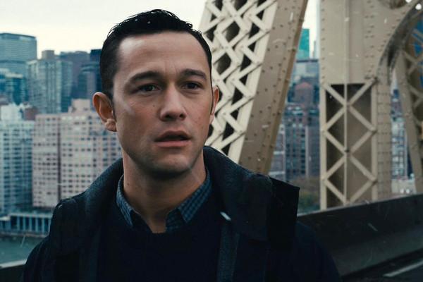 【星娱TV】好莱坞巨星惊现纽约地铁站 化身乐手击鼓竟是为了…