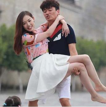 【星娱TV】王宝强曾说:老婆很朴实 更意外她还喜欢我