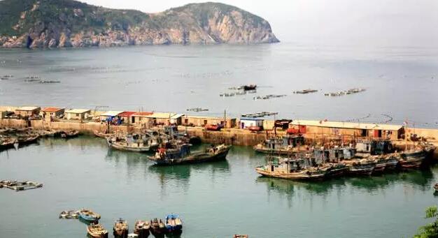 青山渔村位于崂山最东南端,地处崂山风景区核心景区太清游览区