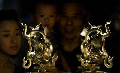 118尊金铜佛像亮相杭州 展现佛像造像最高水平