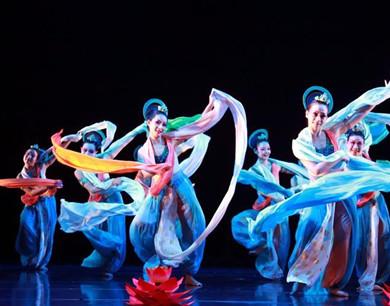 香港代表团舞蹈诗《缘起敦煌》在京上演