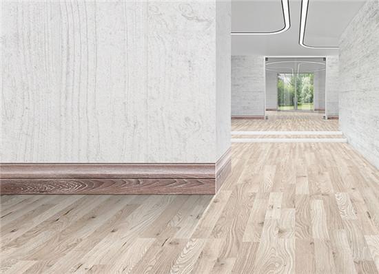 木地板拱起,响声等情况,缝隙是一定要留的,而踢脚线的运用可以很好地