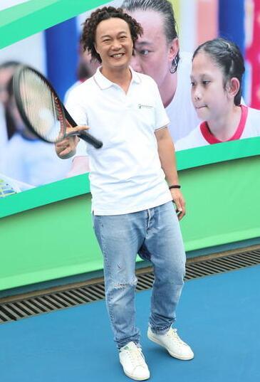 【星娱TV】陈奕迅自曝学网球是为了装帅 可这次被拍成了五五身