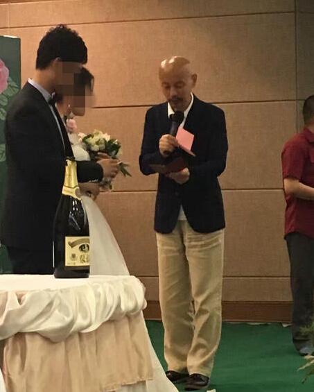 【星娱TV】59岁葛优为好友子女证婚 发言幽默亲和力十足(图)