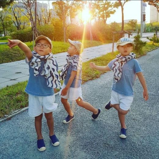 三胞胎长高啦!大韩民国万岁变成秋日长腿小男神(图)