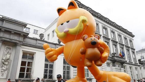 布鲁塞尔卡通气球巡游