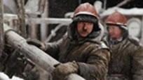 俄建筑队与朝鲜工人兵工厂内群殴 大吼一声弹跳飞踹