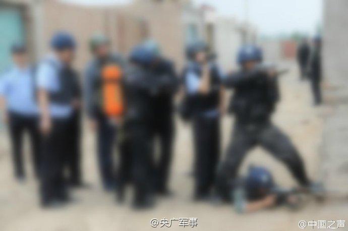"""获点赞最多的""""打码照""""!4张图看国内反恐警察的英姿"""
