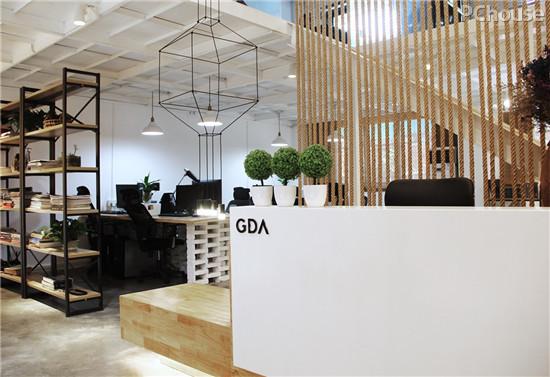 富有动态的loft办公空间设计