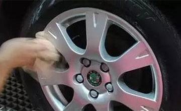 洗完车后如果做这个动作 爆胎几率增加2倍!