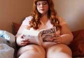 天使面孔魔鬼身材的胖女孩