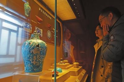 首次VR体验考古现场:成化瓷正品与次品时隔500年再聚首