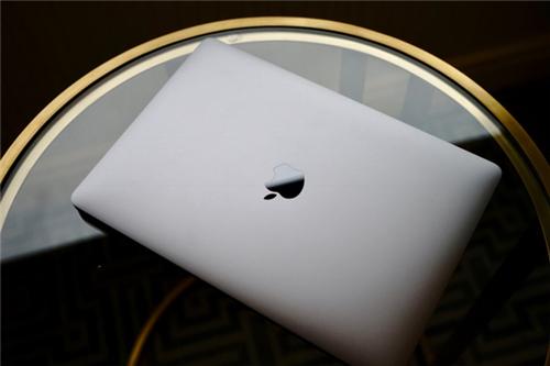 现场体验告诉你:买苹果这一款全新MacBookPro最划算!