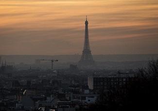 巴黎遭遇十年来最严重空气污染