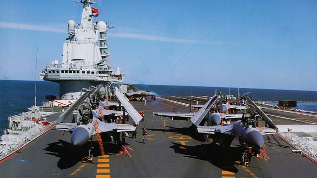 中国首艘4万吨航母补给舰完工 吨位堪比航母