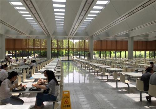 华为上海研究所的食堂是这样:环境优雅美食琳琅满目
