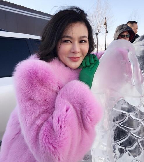 54岁关之琳助阵查干湖捕鱼 可这身打扮…(图)